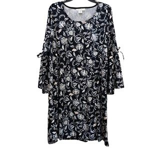 3/$20 Skye's The Limit velvet floral tie dress